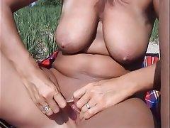 Big Butts, Close Up