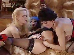 Anal seks, Sert seks, Lezbiyenler, Üçlü