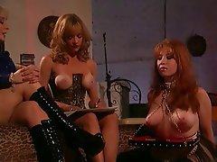 Lesbién, Grands seins, BDSM, Les roux