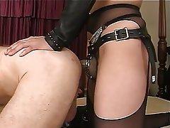 Femme dominatrice, Branlette, Gode ceinture