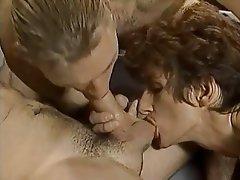 Bisexuel, Sexe en groupe, Groupe de trois