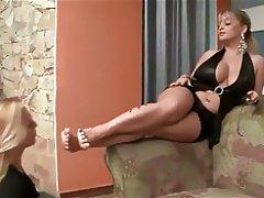 Femme dominatrice, Fétichisme des pieds, Lesbién