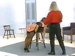Sado maso, Donna dominante, Sculacciare