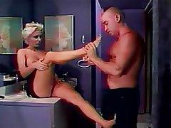 MILF, Grands seins, Blonde, Fétichisme des pieds