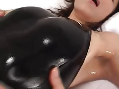 Asyalılar, Japonya, Yumuşak porno, Spandex