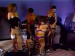 Grup seks, BDSM, Kadin egemenligini, Сüceler