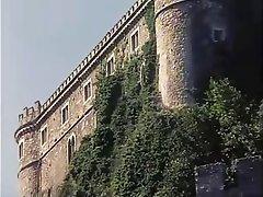 Italyan, Gözetlemek